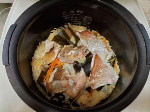 釣ってきた鯛とアコウで炊き込みご飯(2021.6.27)